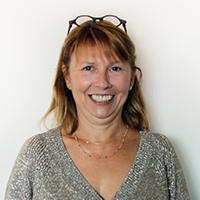Portrait de Marie Marquet présidente de l'entreprise Lima Adhésifs